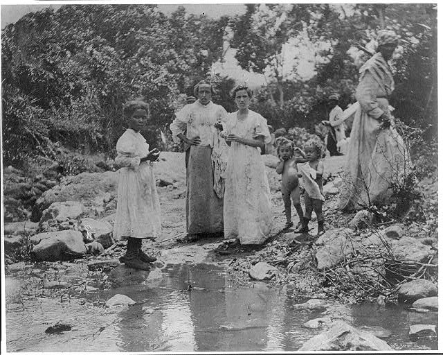 1898. A group of Santiago refugees near El Caney, Cuba. (William Dinwiddie, Library of Congress)